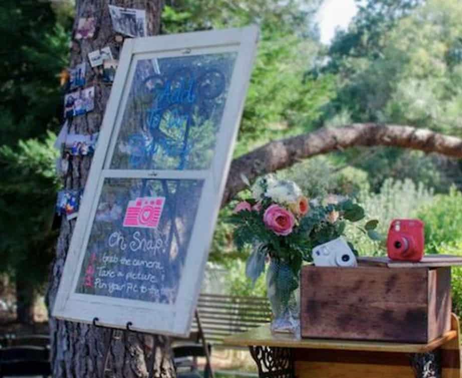 DIY wedding ideas polaroid camera