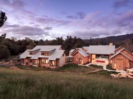 Event Design Trends 2016 - Rustic venues and lavish estates
