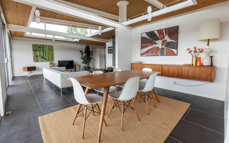 case study house dining