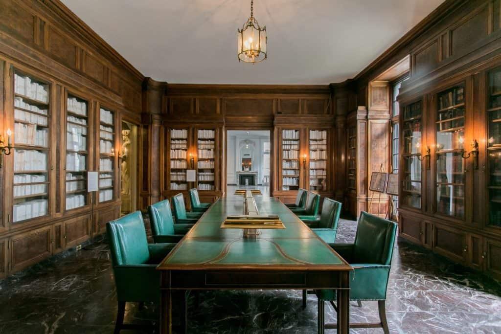historic scientific mansion chicago rental