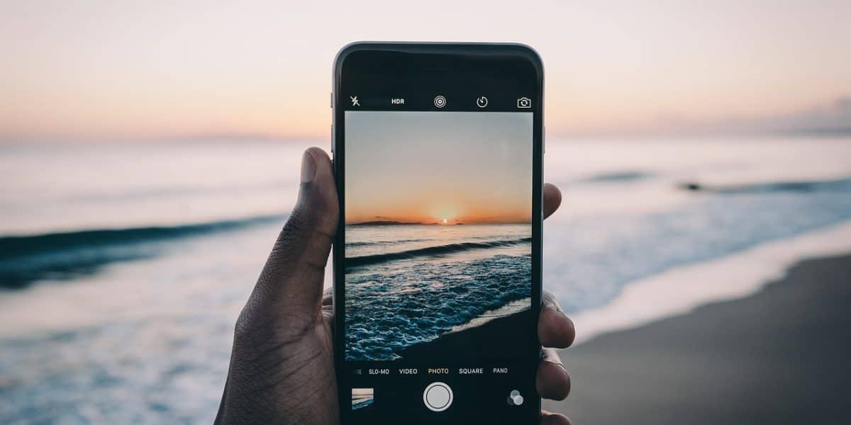 smartphone camera beach