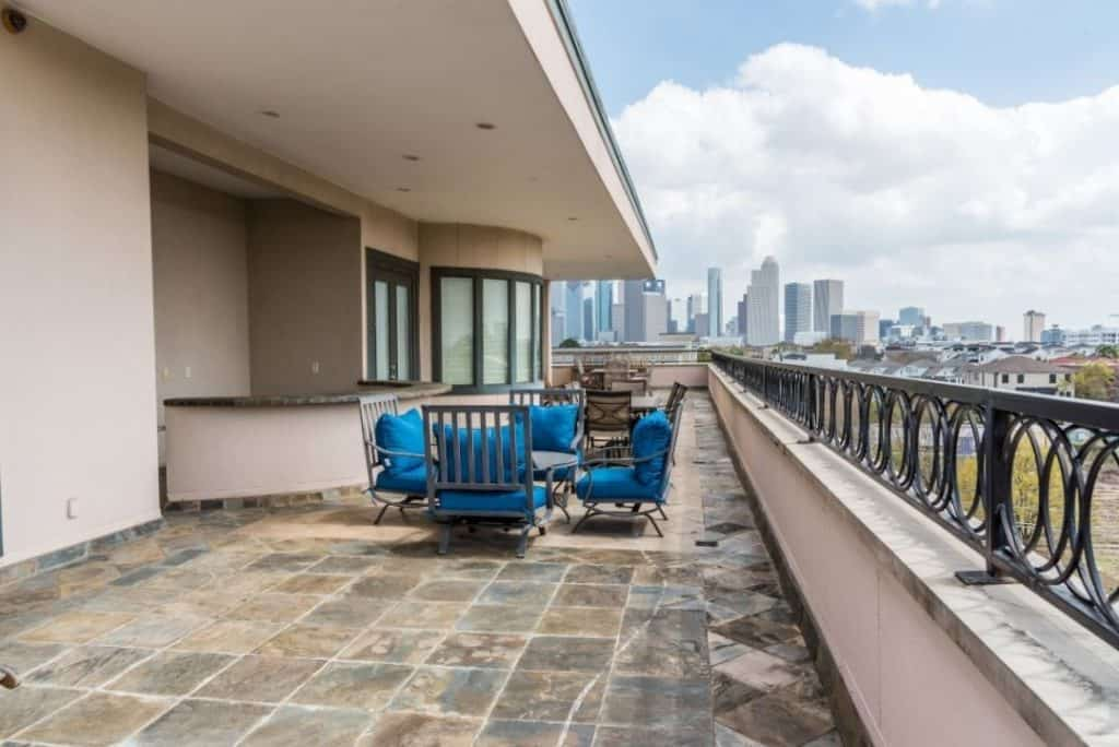 Central Houston Bungalow for Photo Video Production houston rental