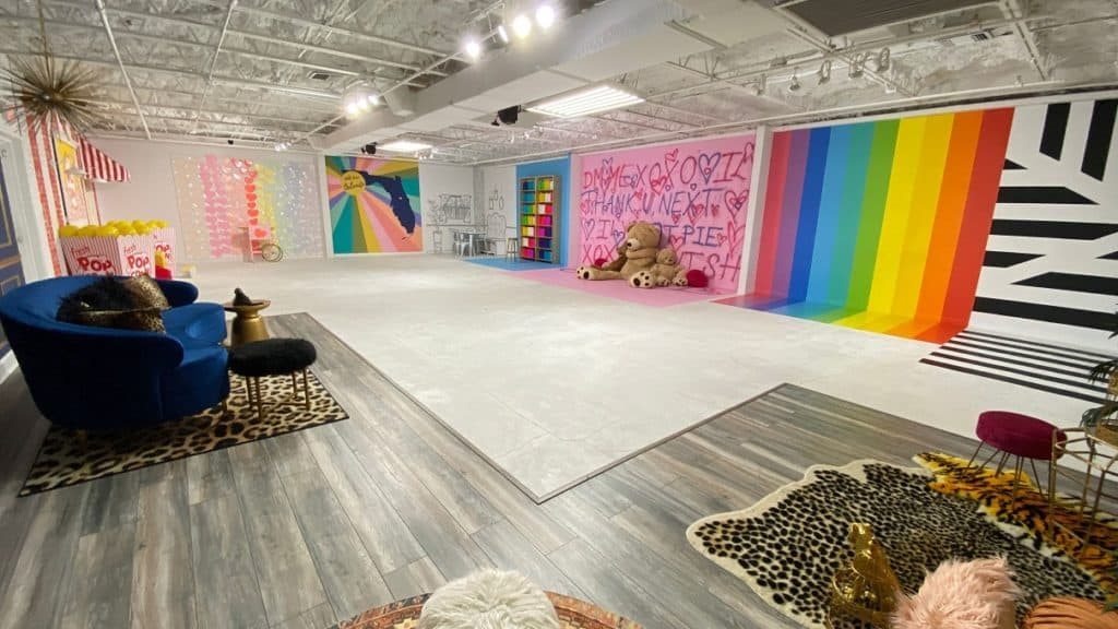 Colorful Studio with 20+ Backdrops in Downtown Orlando rental