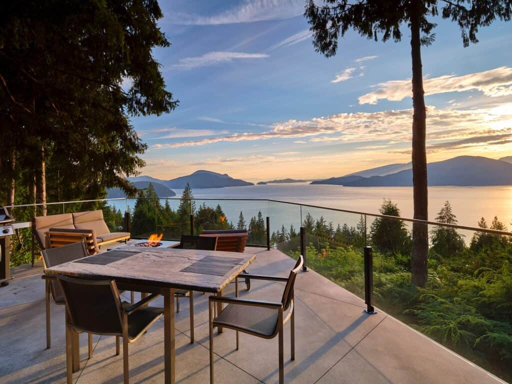 Lions Bay Modern Home vancouver rental