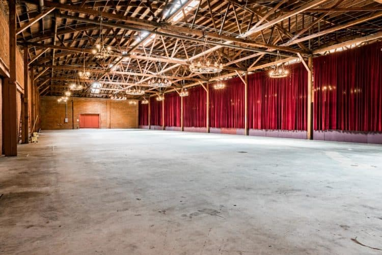 Here's How and Where to Rent a Warehouse for a Day | Peerspace