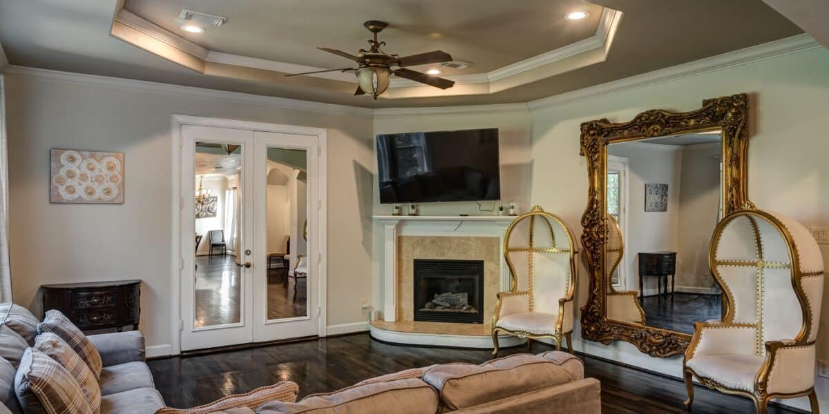 Luxury Villa with Rooftop Downtown view in River Oaks Montrose houston rental
