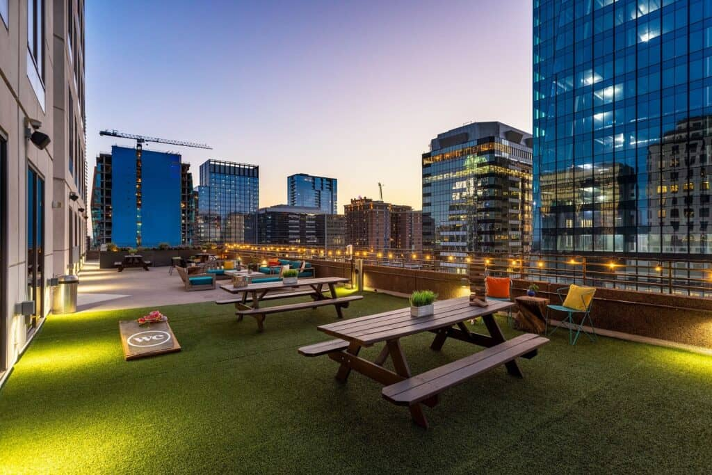 Massive, luxurious outdoor terrace with views of Downtown Austin rental