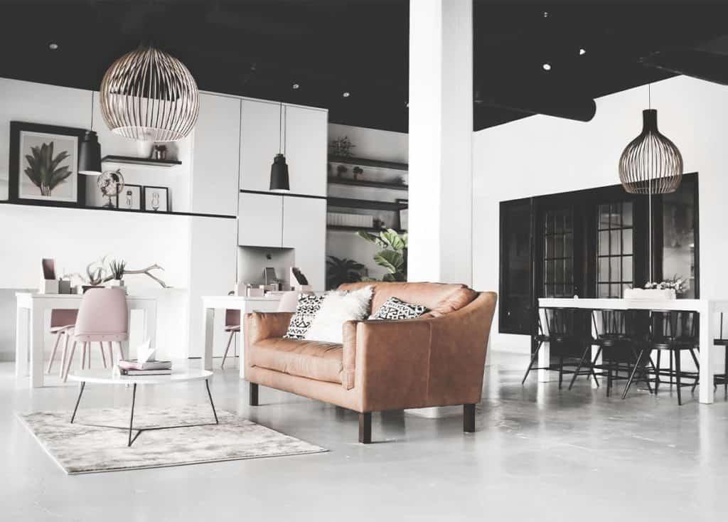 Minimal White Studio space with Kitchenette dallas rental