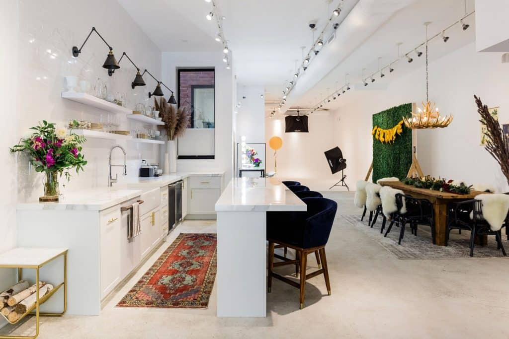 Modern Photography Studio with Cozy Vibe chicago rental