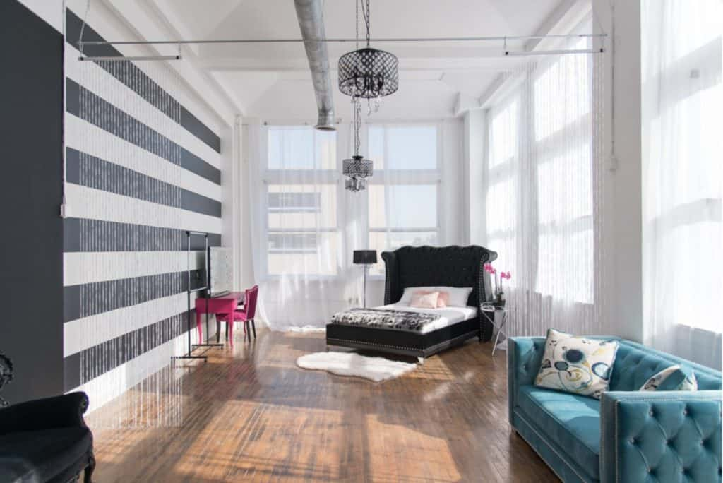 Modern Studio with Black Features dallas rental