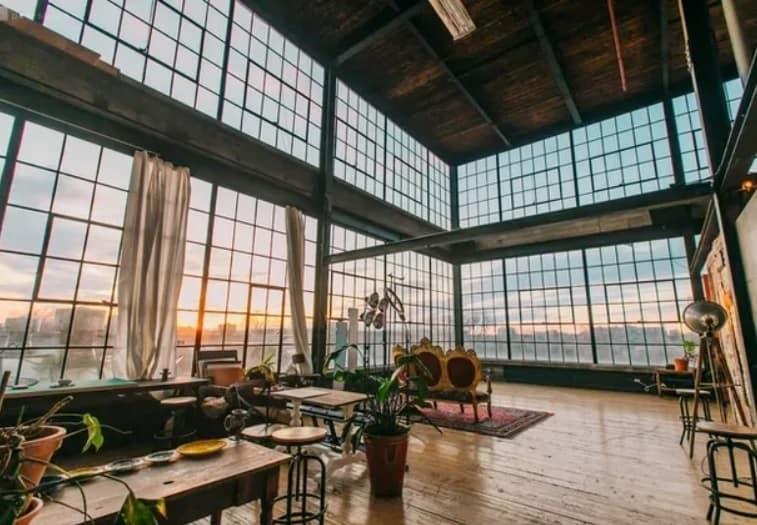 Natural Light Flushed Warehouse - Toronto rental