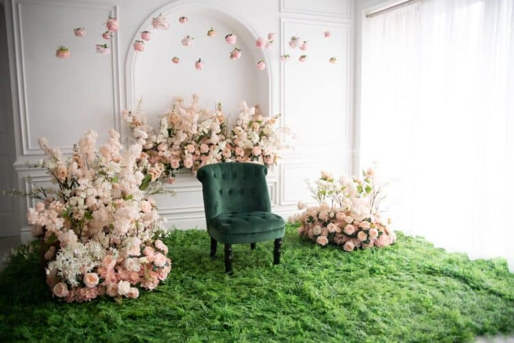 How To Host A Bridal Shower: Tips & Tricks To Wow The Bride | Peerspace