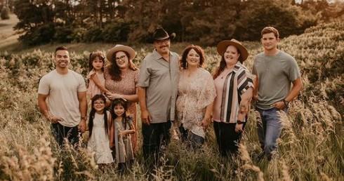 The 11 Best Family Photographers in Omaha, NE | Peerspace