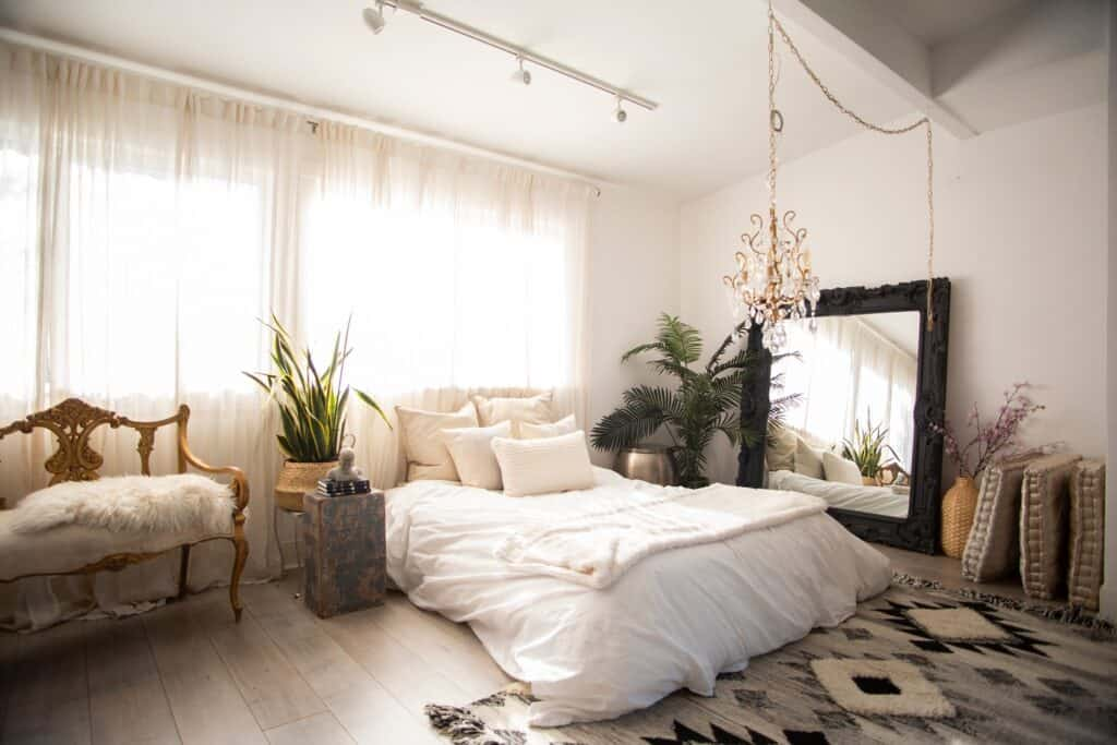 Outdoor and Indoor Hillside Oasis Bright and Beautiful Daylight Studio los angeles rental
