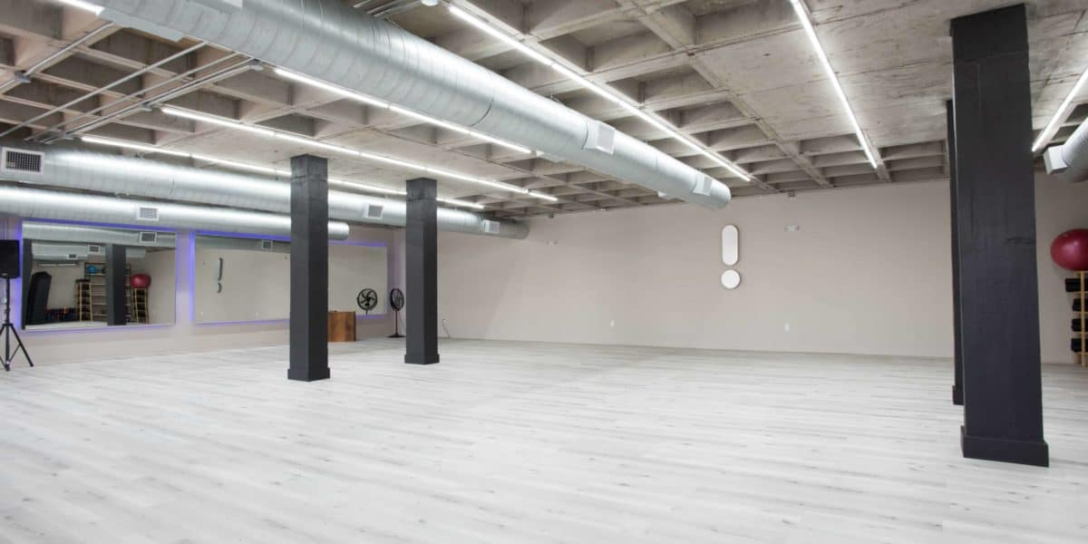 How much does it cost to rent a dance studio