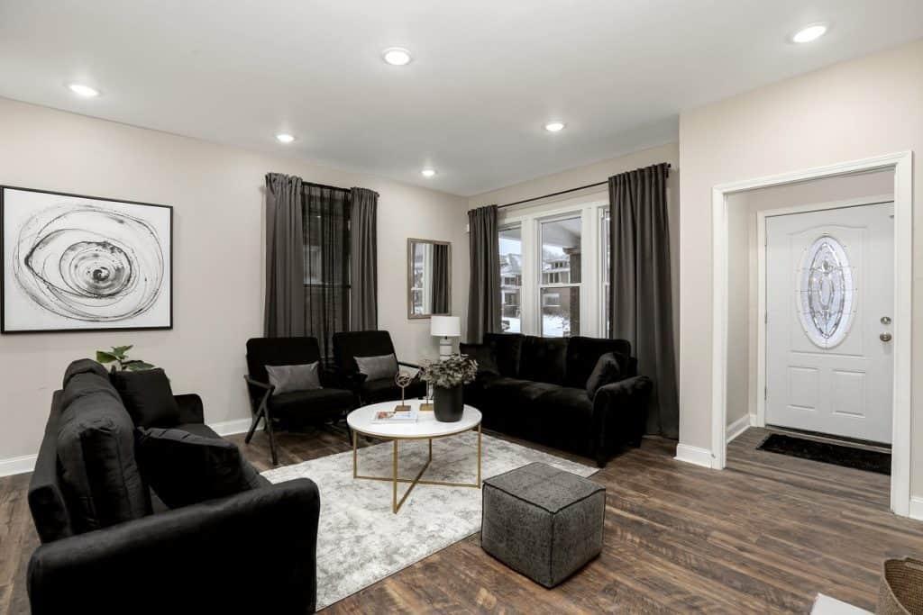Sophisticated Urban Mansion in LaSalle Gardens detroit rental