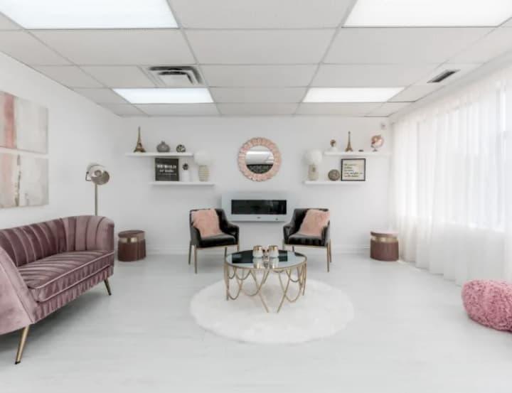 Studio 2 The Emma Room toronto rental