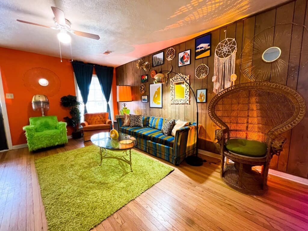 Swanky Retro House with lots of props and extras dallas rental
