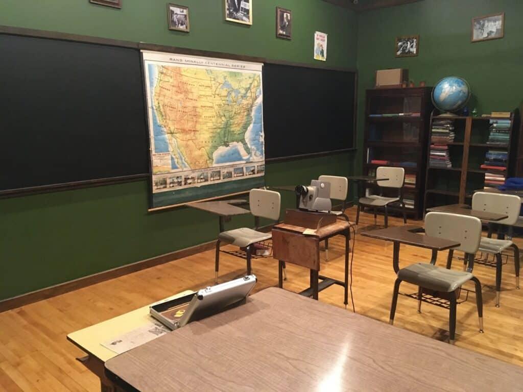 The Classroom (1950) - Retro Photoshoot Location in Wicker Park chicago rental vintage photoshoot ideas
