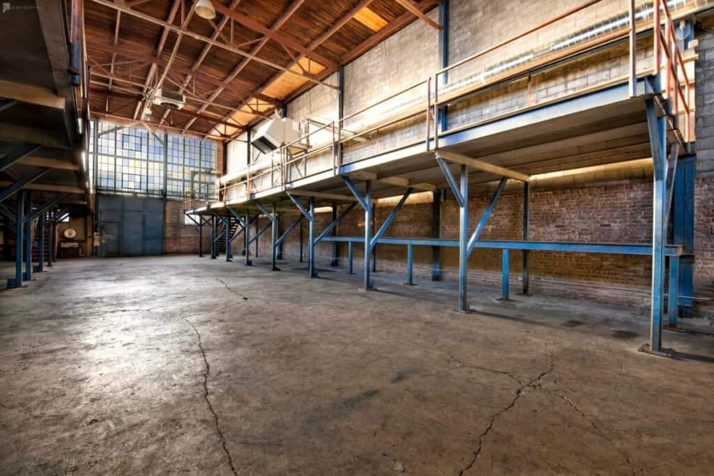 raw industrial warehouse in chicago