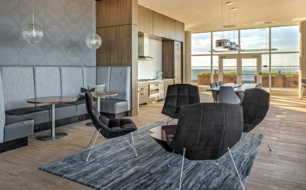 suite and rooftop terrace seattle rental