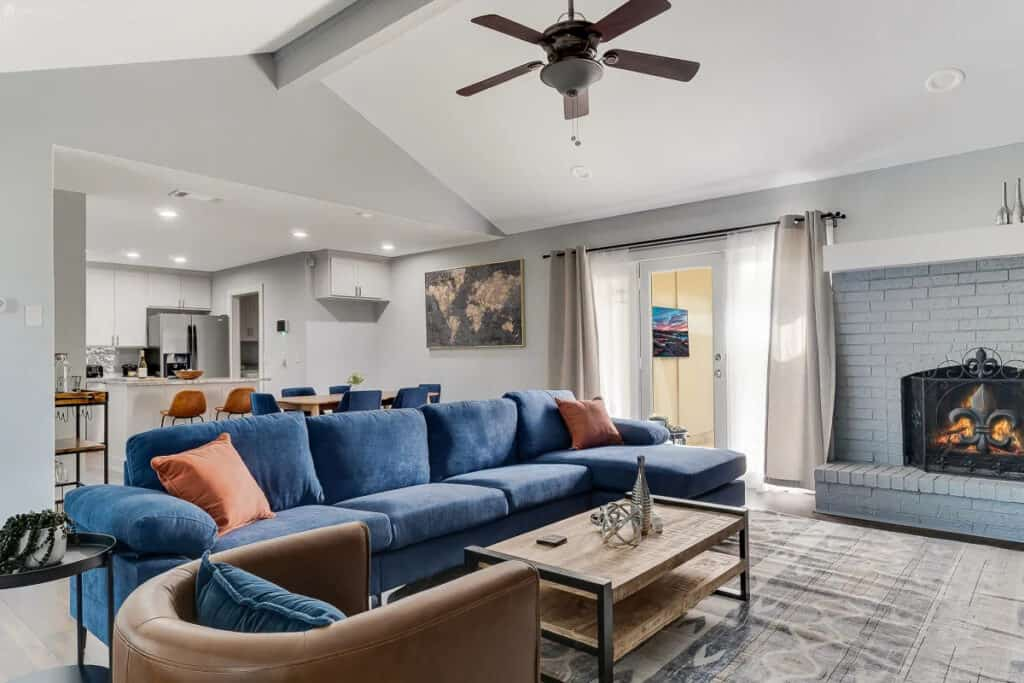 spacious inviting lux home in plano