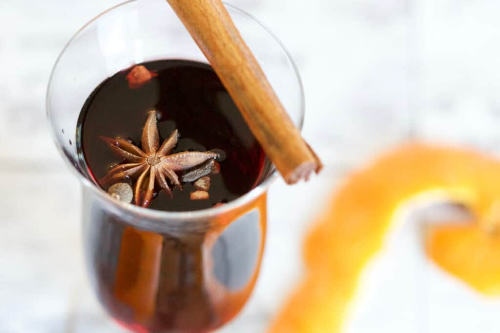 mulled wine autumn spice drink alcohol cocktail