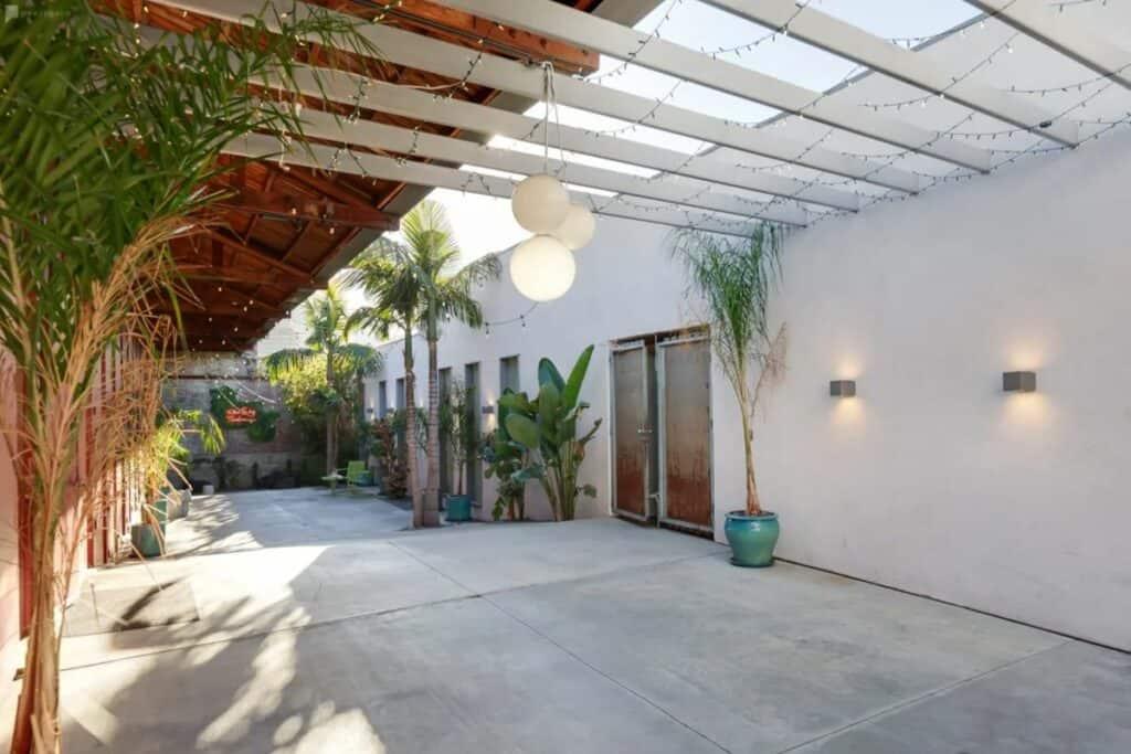 secret oasis in chinatown Cheap Wedding Venues near Los Angeles