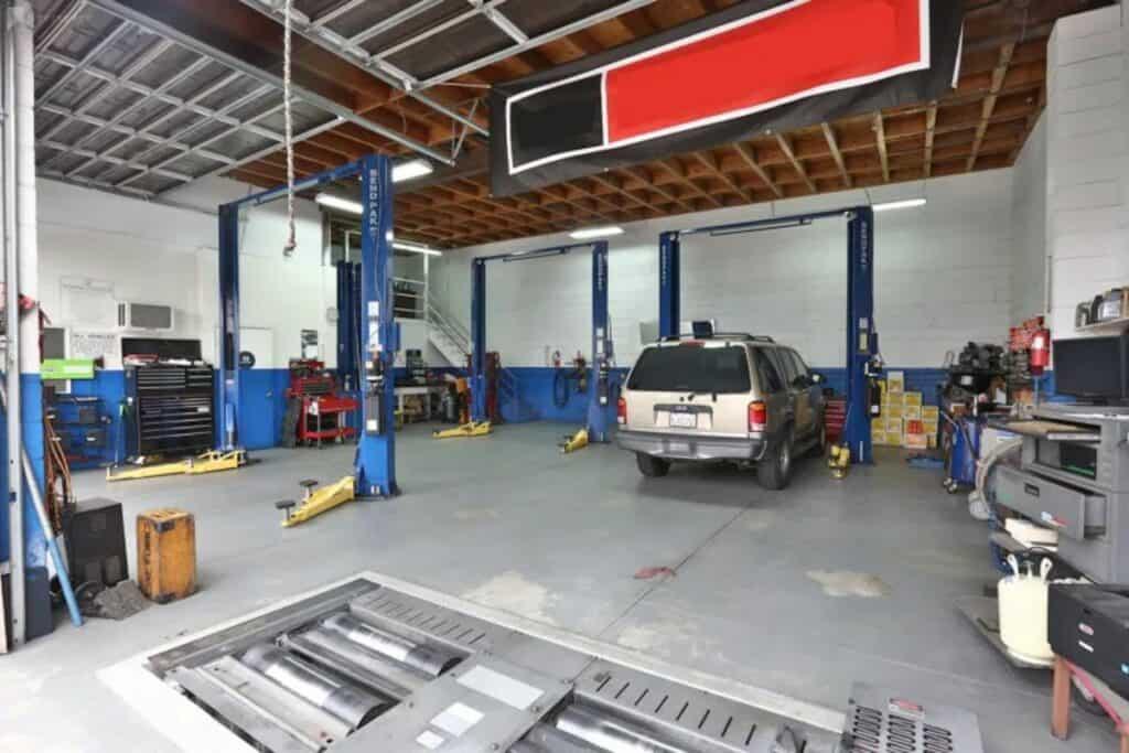 mechanic shop rental in LA