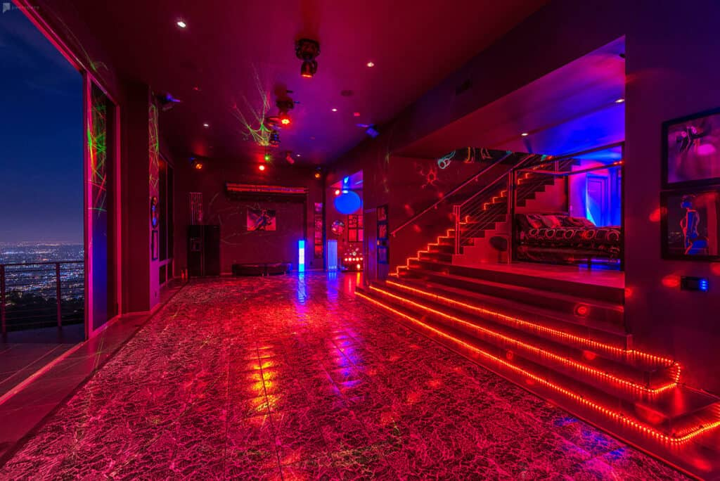 club in the hollywood hills