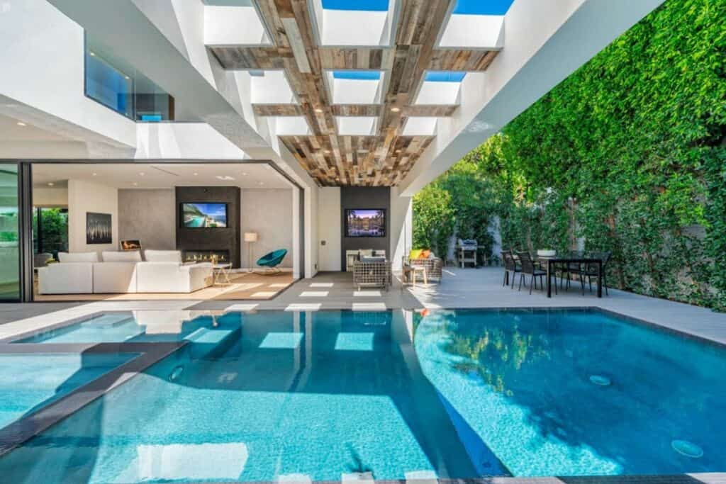 stunning LA mansion with indoor outdoor pool
