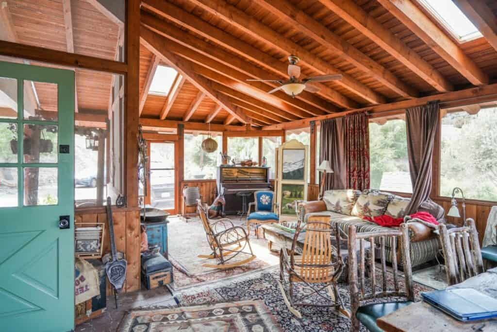 a ranch style cabin rental in Los Angeles