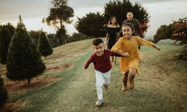 top family photographers in Maui