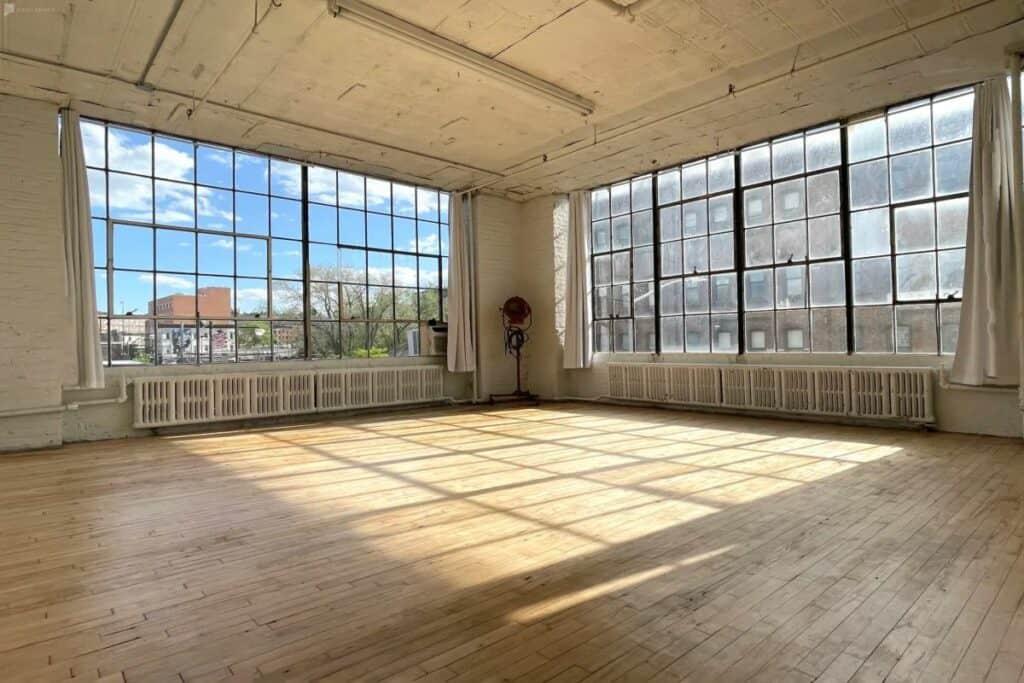 williamsburg studio with tons of light
