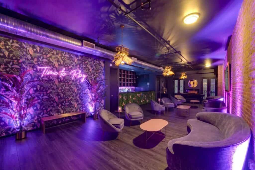 lux neon loft in flatiron
