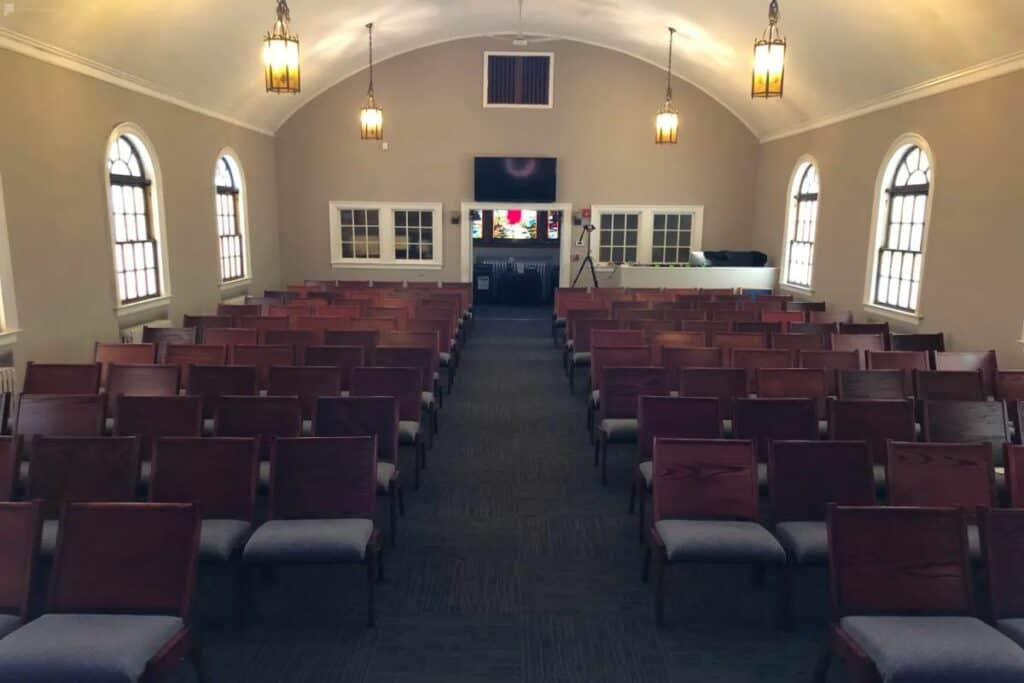 traditional, elegant queens church