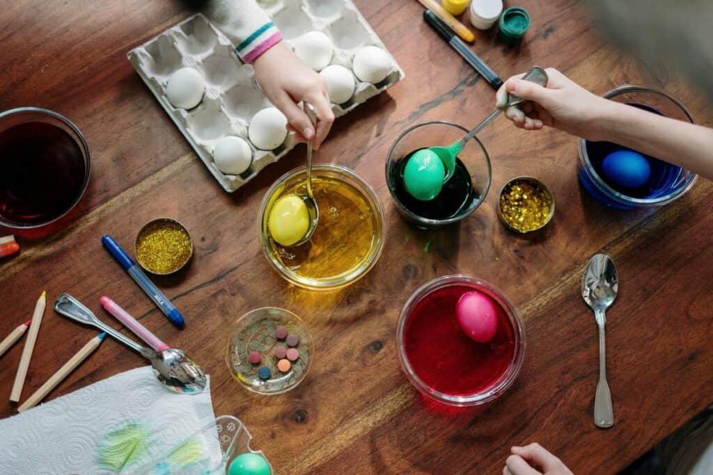 egg decorating for easter