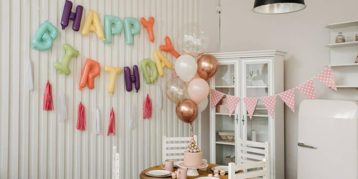birthday party decorations