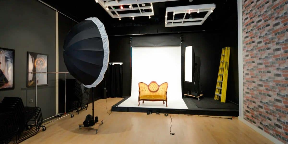 a modern, versatile studio