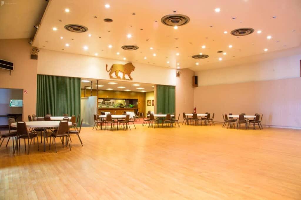 classic spacious ballroom Cheap Wedding Venues near San Francisco