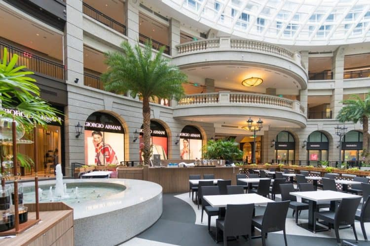How Much Does It Cost to Rent Space in a Mall Food Court? | Peerspace