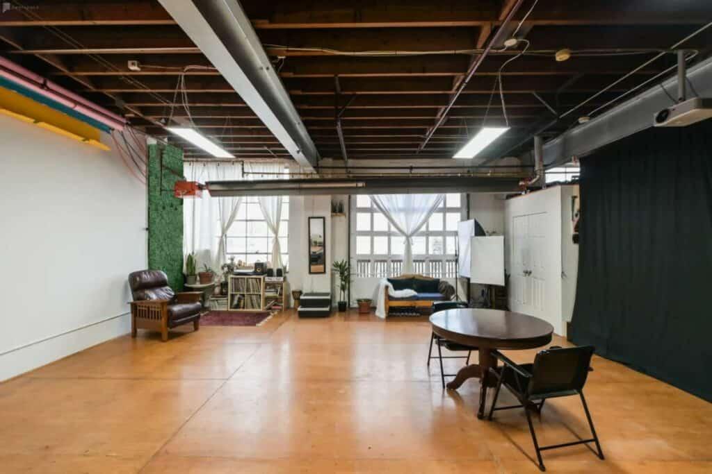 spacious and versatile production studio