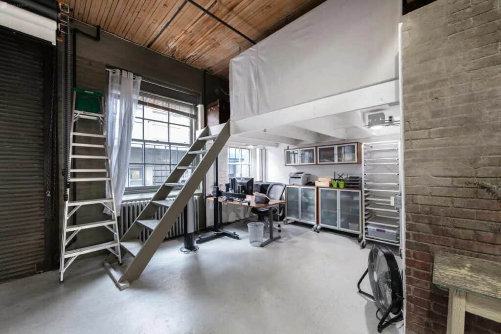 airy loft and studio in one