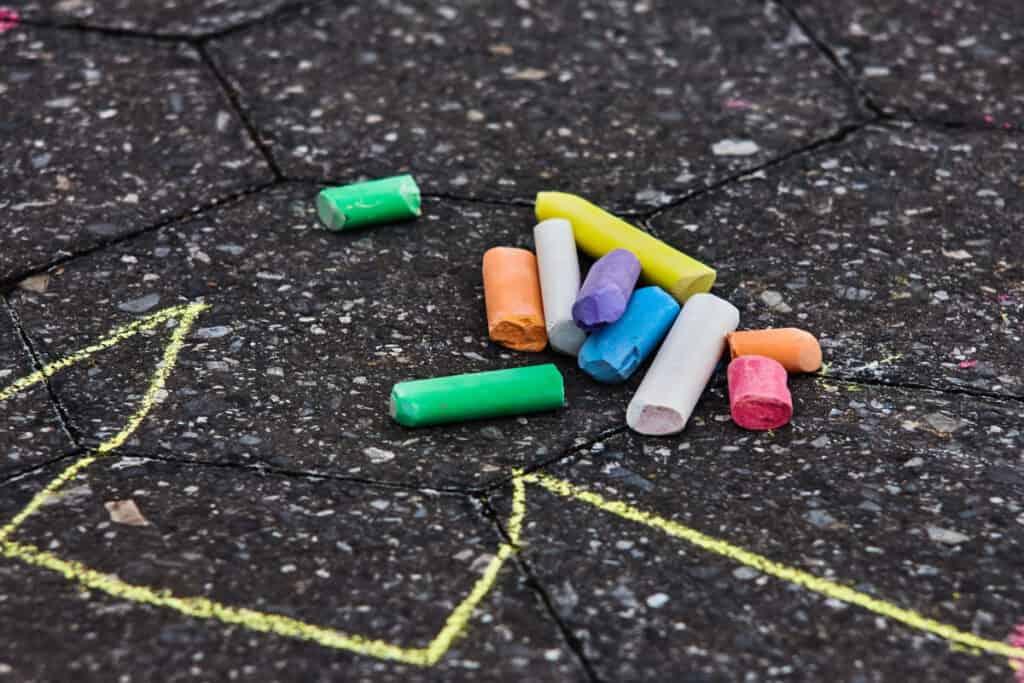 kids party sidewalk chalk